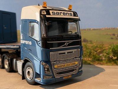 Sarens store IMC Volvo FH4 Glob 6x4 met Nooteboom ballastopleggers Sarens