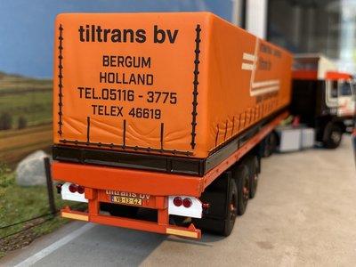 WSI WSI Scania 3-serie met schuif zeilenoplegger Tiltrans