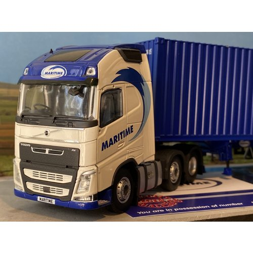 Tekno Tekno Volvo FH04 Globetrotter XL 6x2 met 40ft.  container Maritime