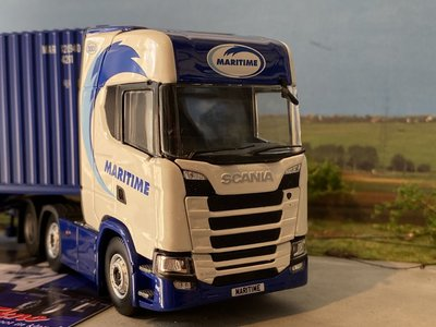 Tekno Tekno Scania S Highline 6x2 met 40ft.  container Maritime