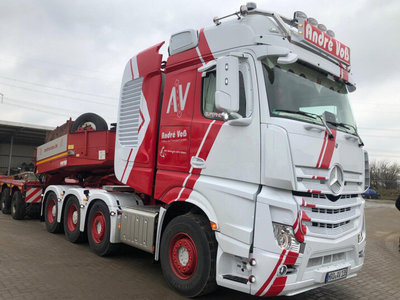 WSI WSI Mercedes Actros MP4 SLT big space 8x4 + 5-axle low loader Andre Voss