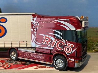 Tekno Tekno Scania 4-serie longliner met schuifzeilen oplegger Ricö