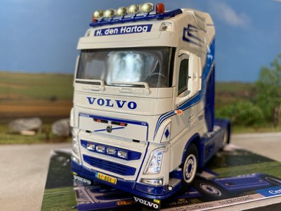 WSI WSI Volvo FH4 Globetrotter XL 4x2 H. den Hartog