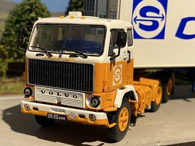 Tekno Tekno Volvo F89 met 2 assige klassieke koel oplegger Sovtransavto