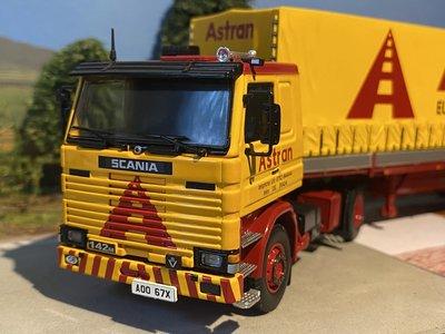 Tekno Tekno Scania 142M met 2-assige klassieke huifoplegger Astran