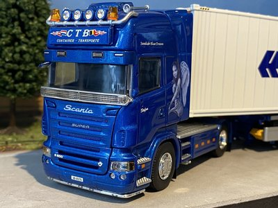 Tekno Tekno Scania R-serie Topline met 4 assige D-Tec Combitrailer met 40ft koelcontainer Max Steffen