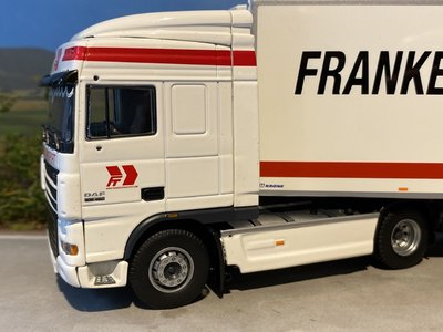 Tekno Tekno DAF XF105 Space Cab trekker met koeloplegger Franken Transport