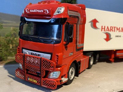 WSI WSI DAF 106XF SSC 6x2 reefer trailer Hartman Expeditie