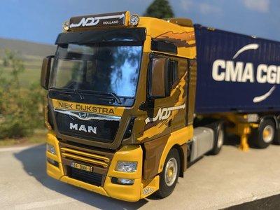 WSI WSI MAN TGX XXL combi trailer + 2 x 20ft. Niek Dijkstra