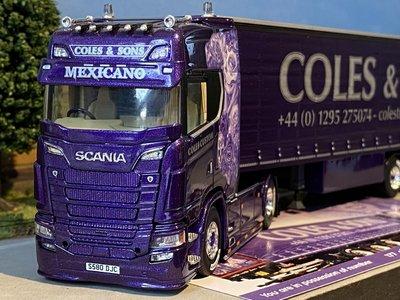 Tekno Tekno Scania S next gen highline met schuifzeilen oplegger Coles & Sons