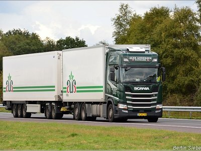 Tekno Tekno Scania Next Gen R-serie Highline rigid truck with dolly and 3-axle reefer trailer Andersen, Alex