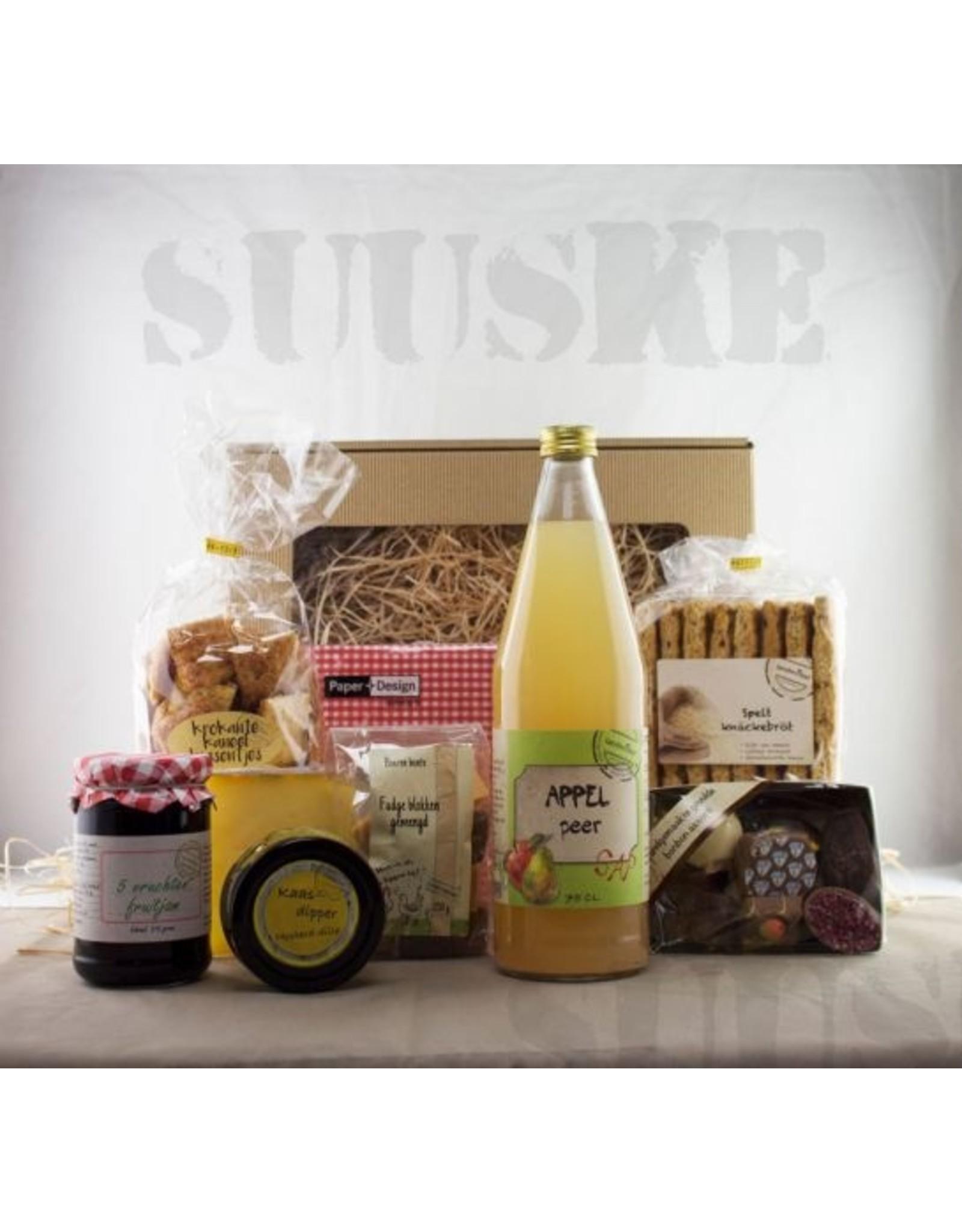 Cadeau - Boerin Suuske geniet van al het lekkers