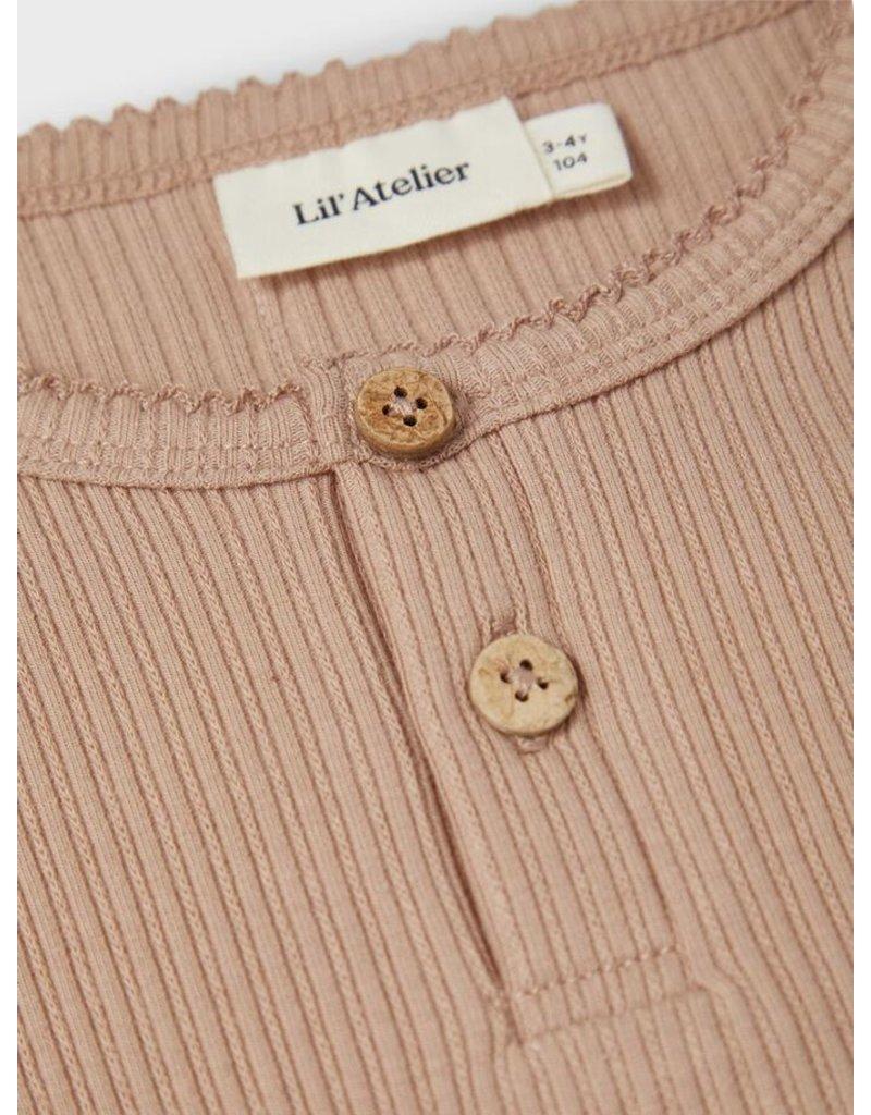 Lil ' Atelier Lil' Atelier: Sofia slim top Almondine