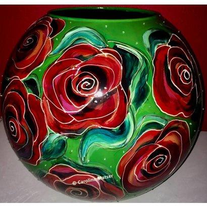 Bolvaas met rode rozen - Caroline Matser