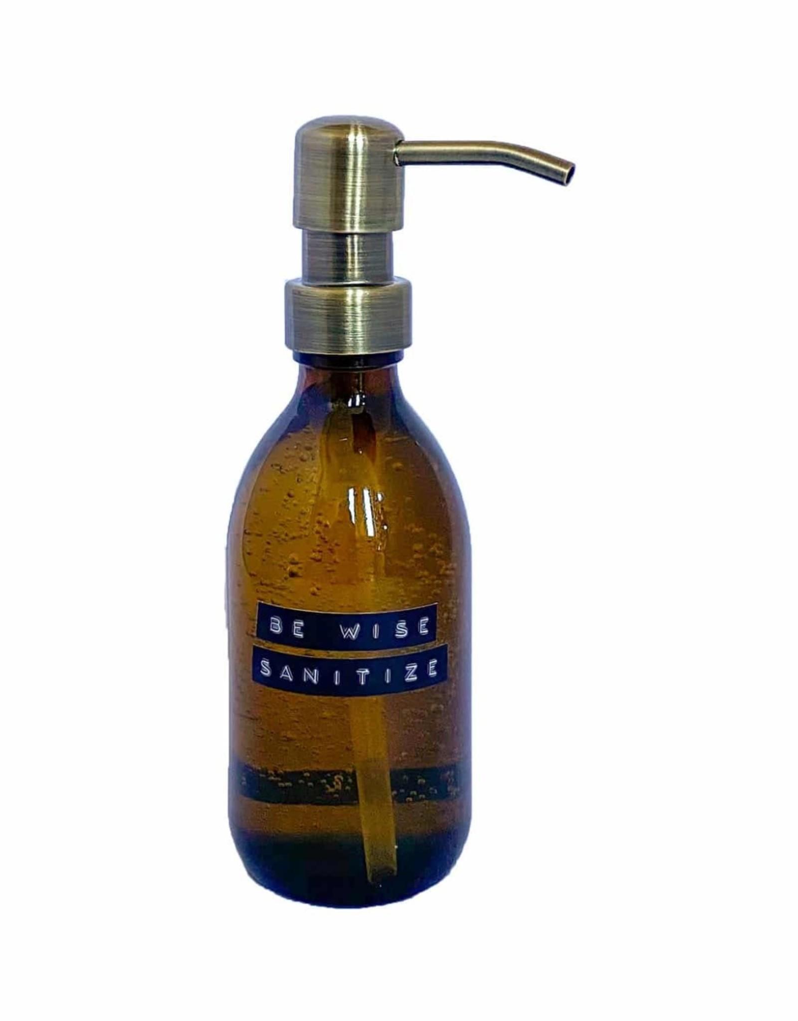 Wellmark Sanitiser bruin glas / brass
