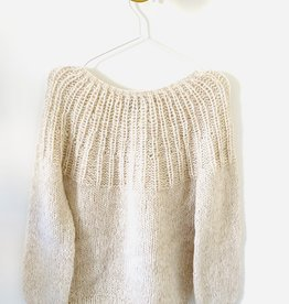 Inti Knitwear trui 'Flor' Almendras alpaca