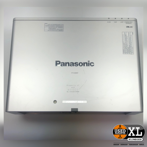 Panasonic PT-F200NT XGA Beamer | incl Flightcase | Nette Staat