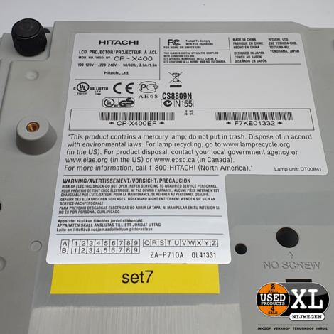 Hitachi CP-X400 Beamer   Nette Staat