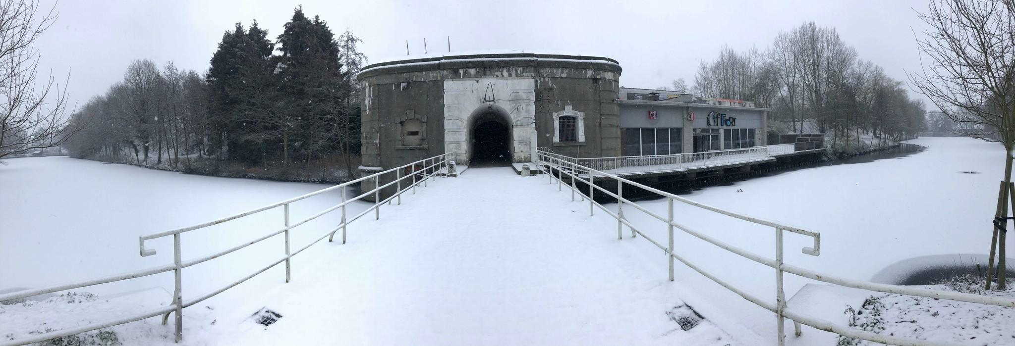 Fort Koningshooikt in de sneeuw