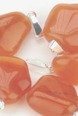 Carnelian com pingente banhado a prata, o fechamento Cartier e saco do presente