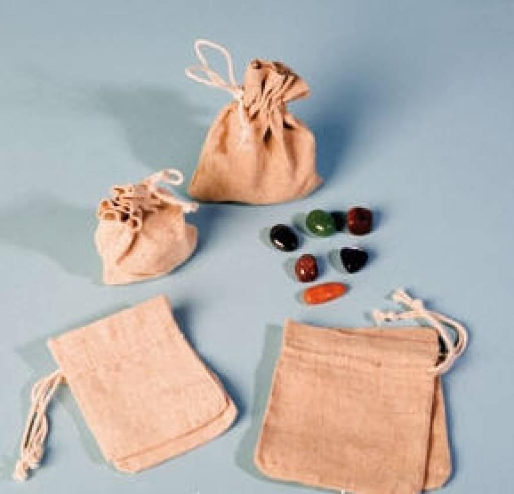 Ruby med sølv vedhæng, Cartier lukning og gavepose
