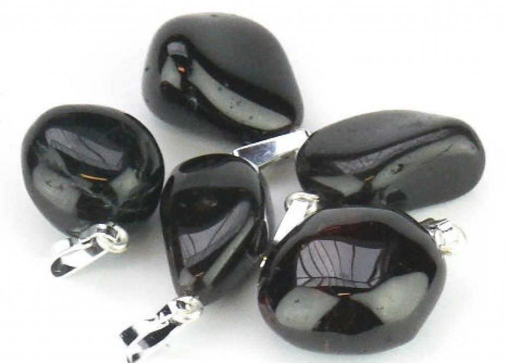 Granaat Almandi met zilveren hanger, Cartier sluiting en kadozakje