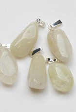 Alabaster with a silver pendant, Cartier closure and gift bag