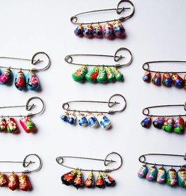 Babushka dekorative pin, forskellige farver.
