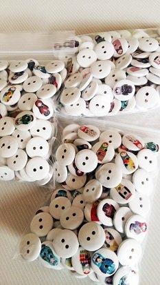 6 giysi Matröşka düğmeleri 10-15 mm karışık motifler