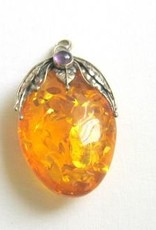 Amber med sølv vedhæng, Cartier lukning og gavepose.