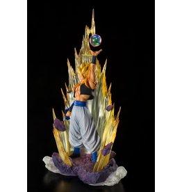 TAMASHII NATIONS DRAGON BALL Z Fusion Reborn Figuarts ZERO PVC Statue 28 cm - Super Saiyan Gogeta