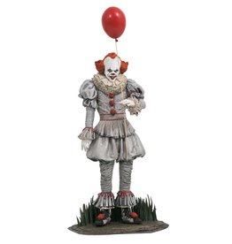 Diamond Select IT CHAPTER 2 Gallery Statue 25cm - Pennywise