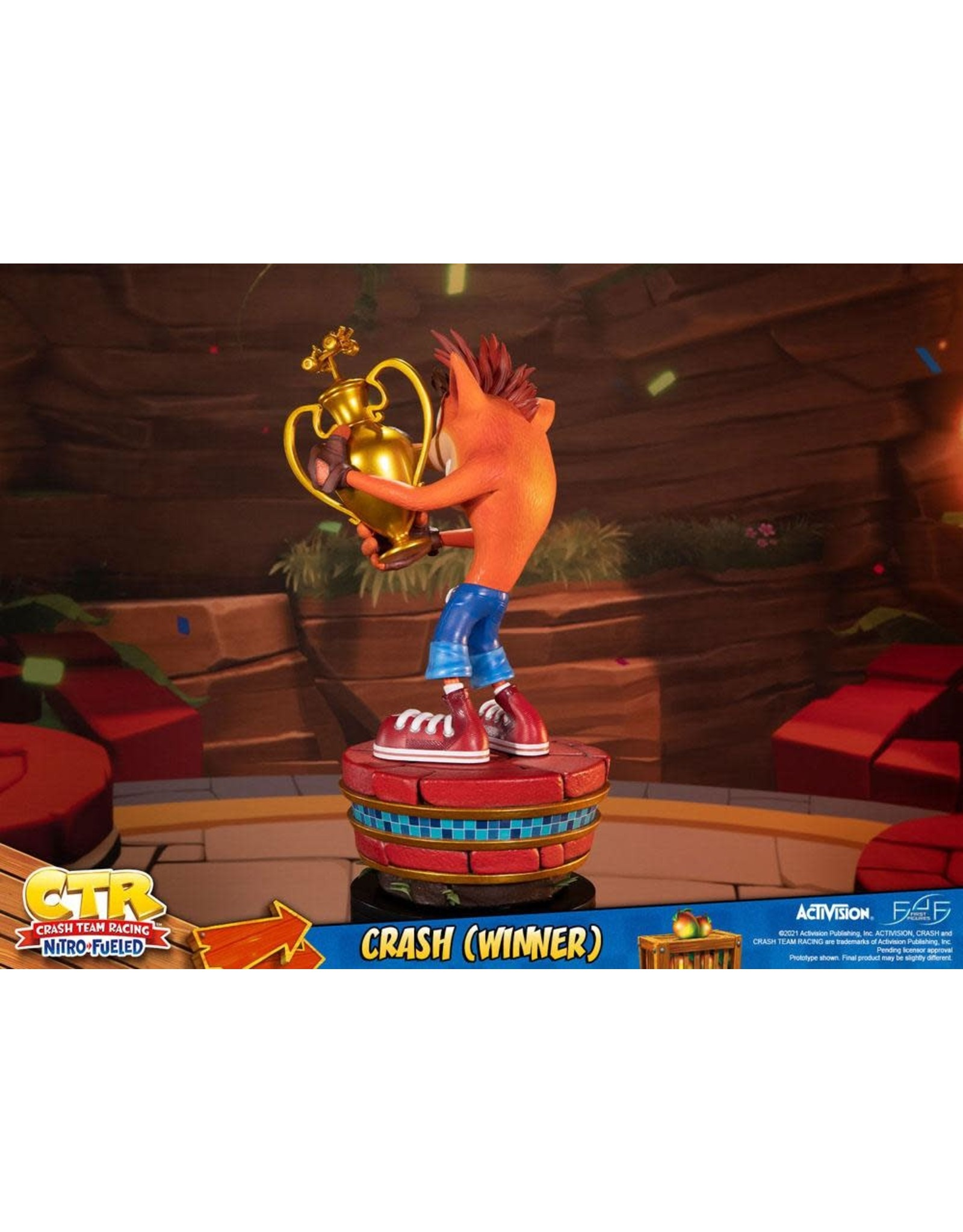 First 4 Figures CRASH TEAM RACING Nitro-Fueled Statue 46cm - Crash (Winner)