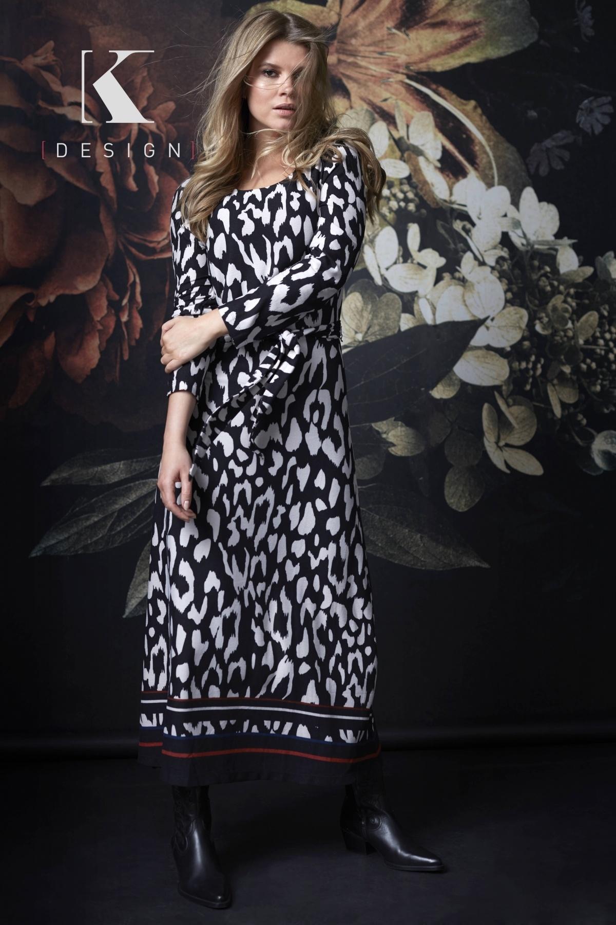 K-Design K-Design jurk ronde hals met knoop & print