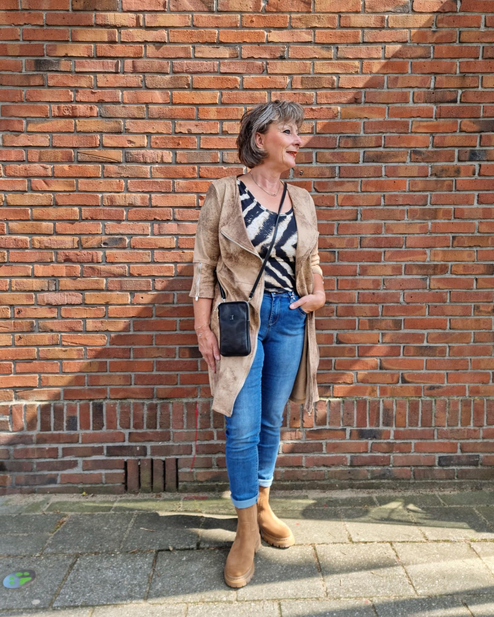 Crème de la Crème Crème de la Crème jurk diagonal zipper beige vintage