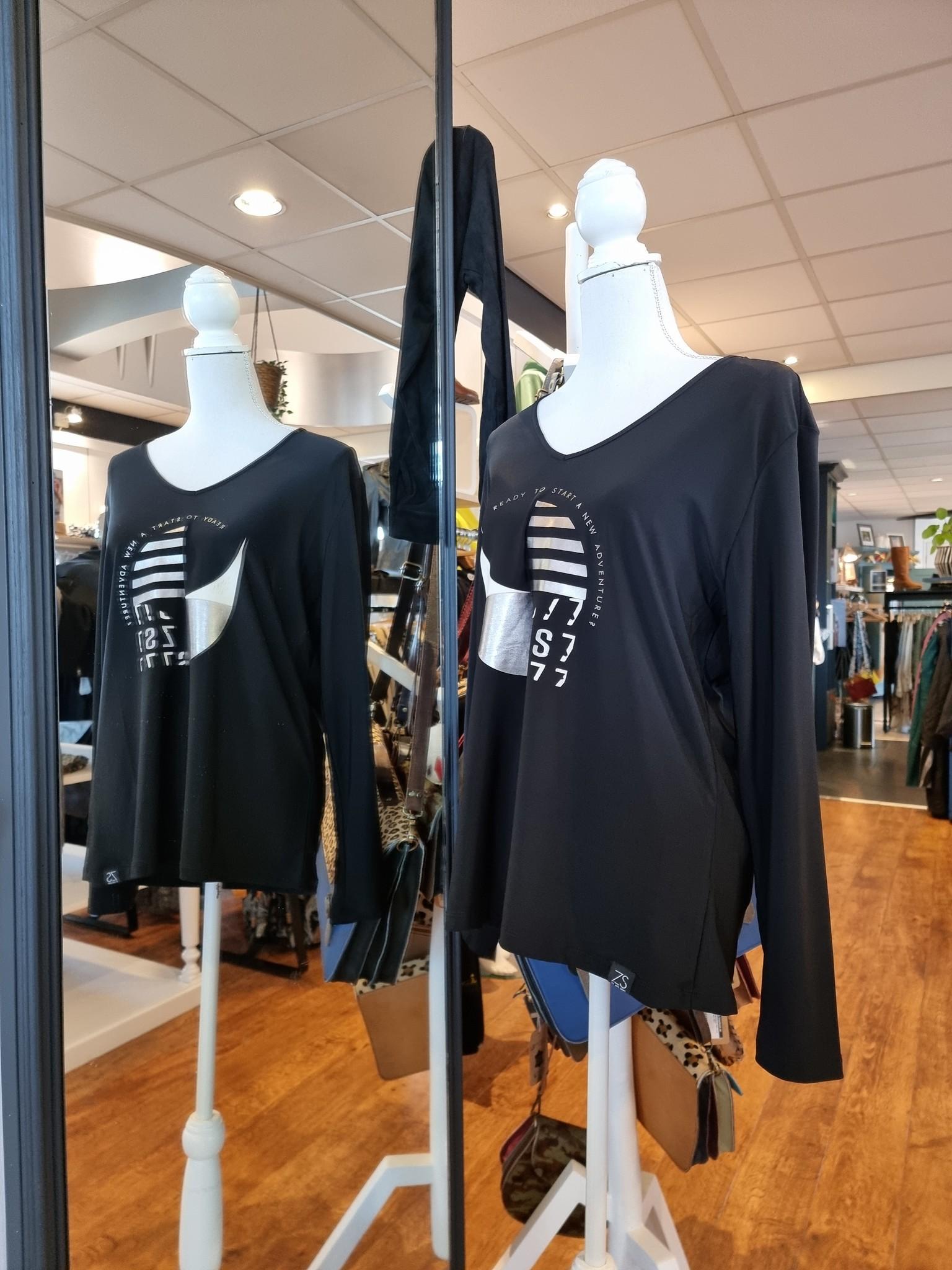 Zoso Zoso 215Susan top splendour with print zwart