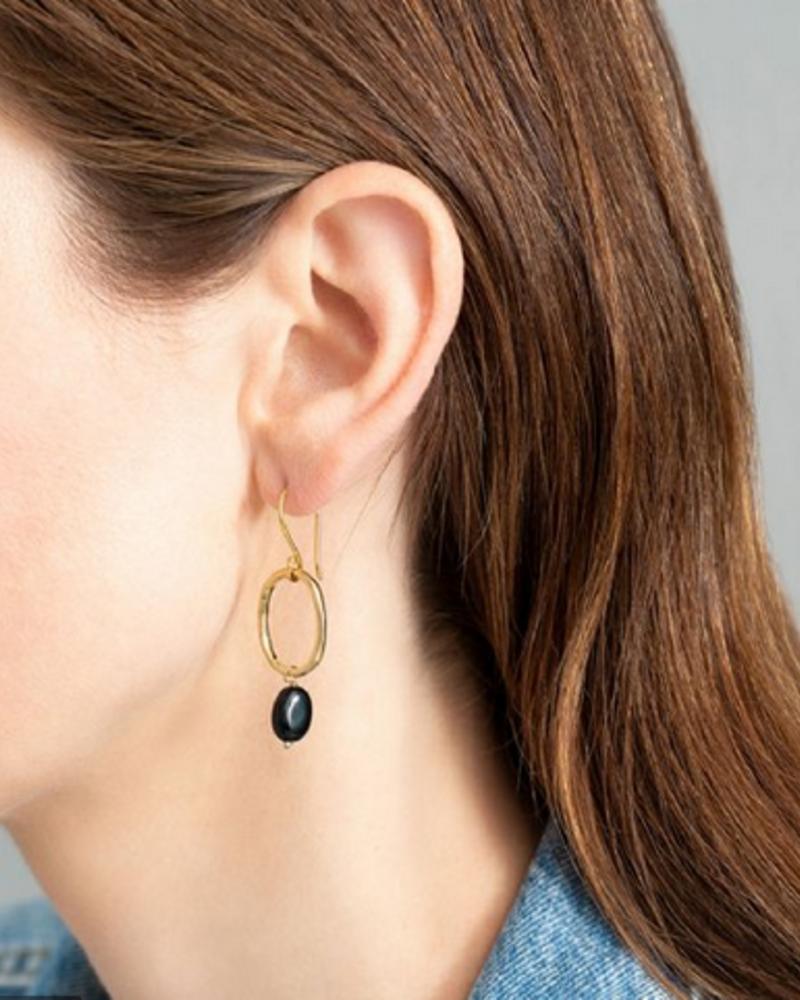 A Beautiful Story Graceful Earrings - Black Onyx Gold