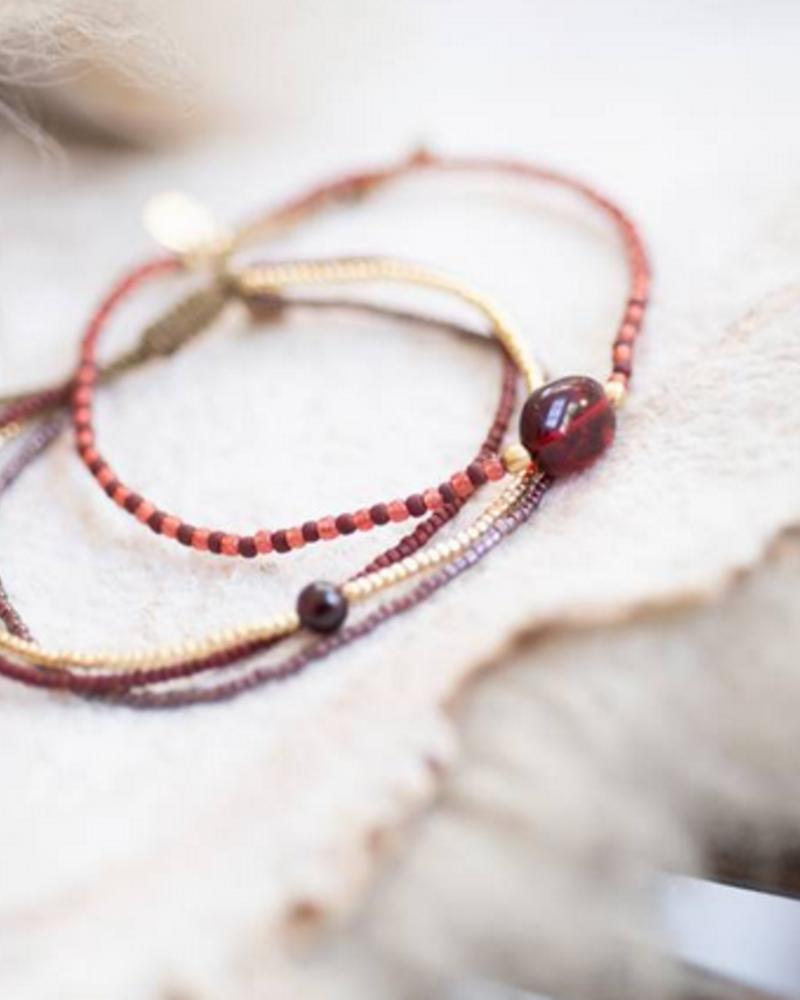 A Beautiful Story Winter Bracelet Garnet Gold