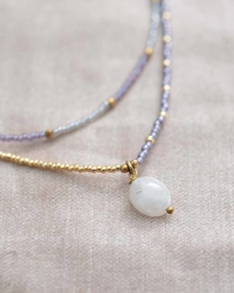 A Beautiful Story Rainbow Necklace Moonstone Gold
