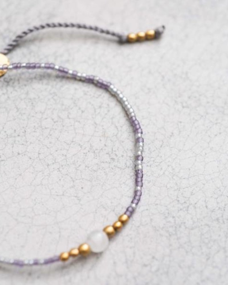 A Beautiful Story Iris Bracelet Moonstone Gold
