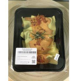 Raviolis épinard ricotta crème de poivrons doux