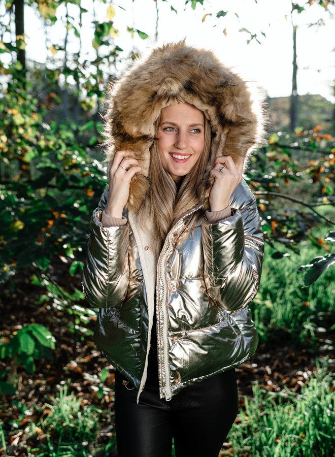 Korte gouden jas met kap