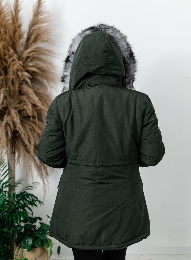 Kaki jas met faux fur en kap