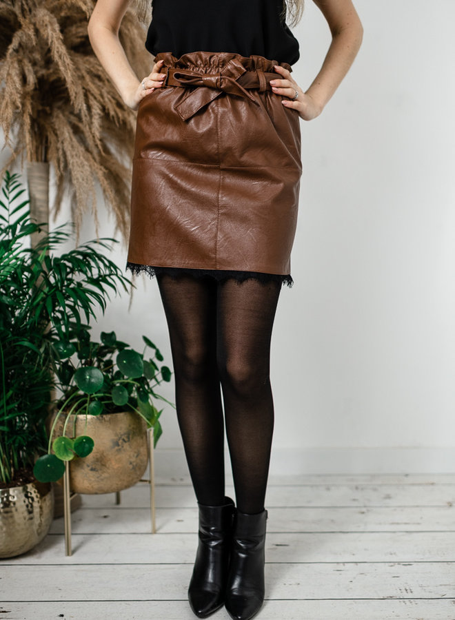 Bruine lederlook rok met kant