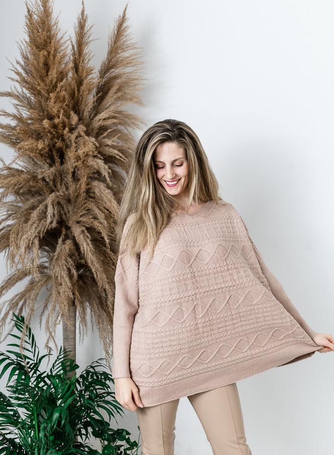 Super oversized trui met kabelmotief beige