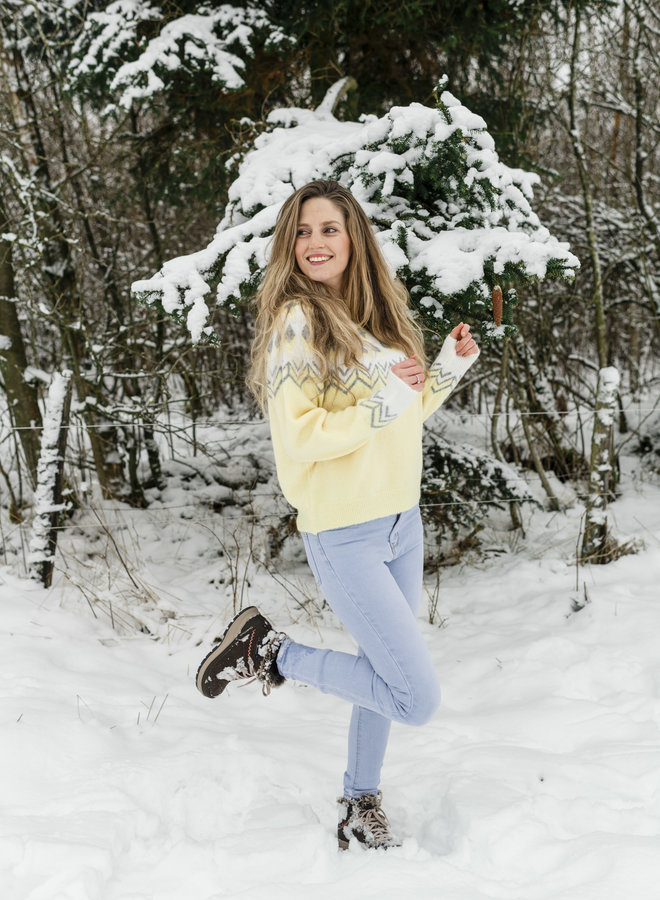Luz Sweater Pastel Yellow