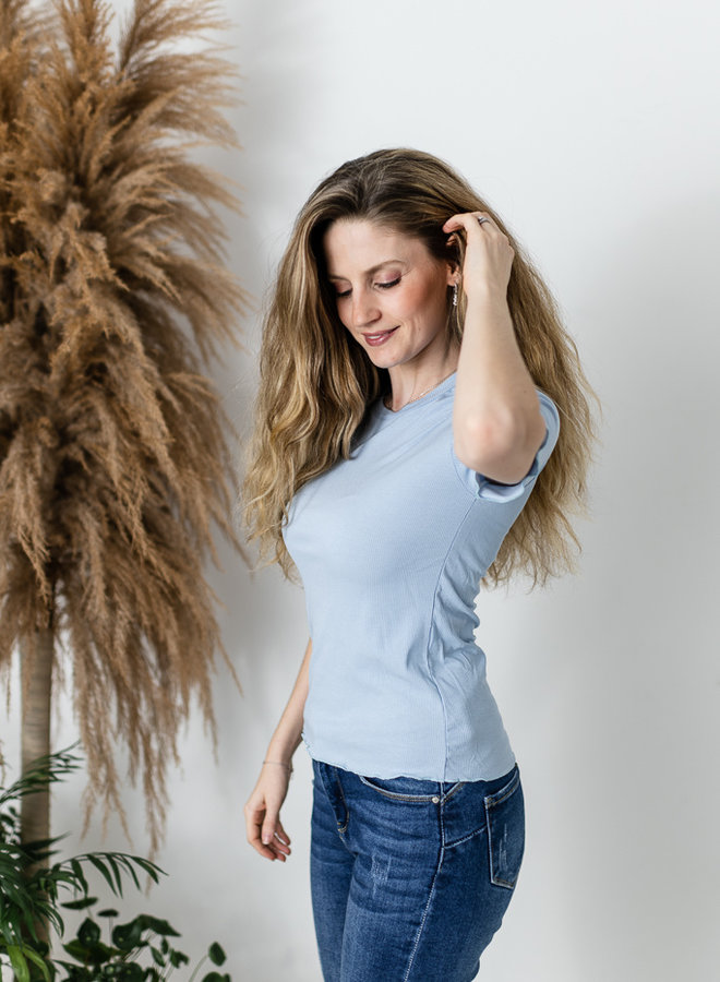 Lana T-shirt lichtblauw
