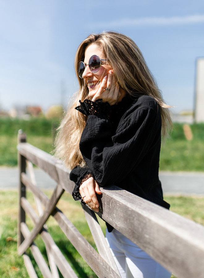 Tetra Ruffle Shirt Black