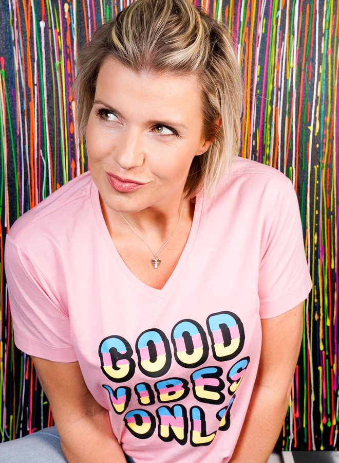 Good Vibes Quote Tee Pink