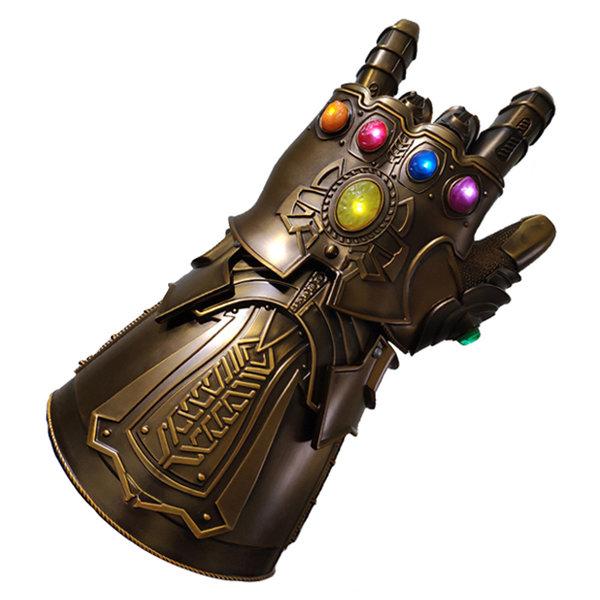 AVENGERS INFINITY WAR - Thanos - Unendlicher Spießrutenlauf
